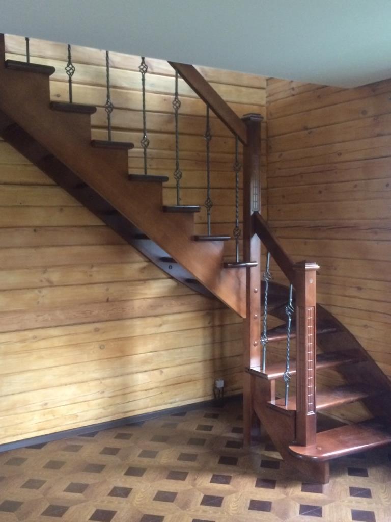 Делаем балясины для лестницы из дерева быстро и