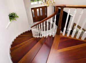 Межэтажные лестницы из дерева