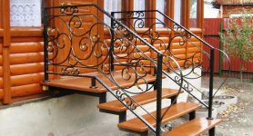 Готовые лестницы для крыльца