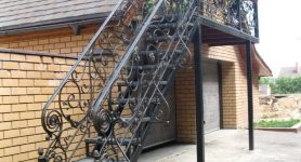 Металлические фасадные лестницы