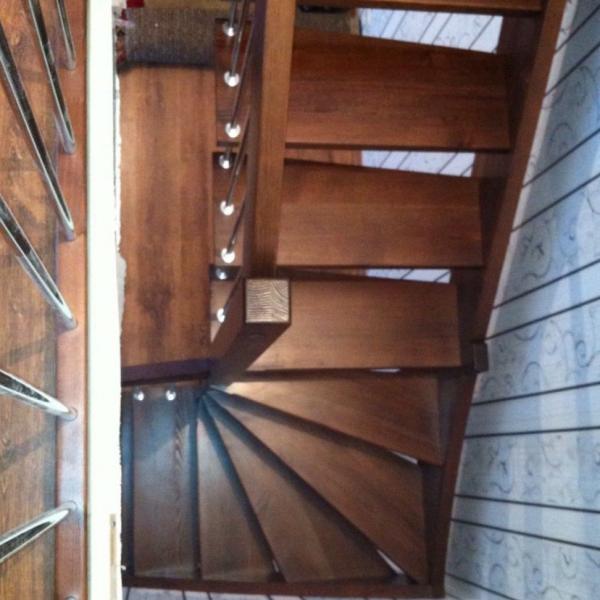 Лестница на больцах «ULTRA» с поворотом 90 забежная