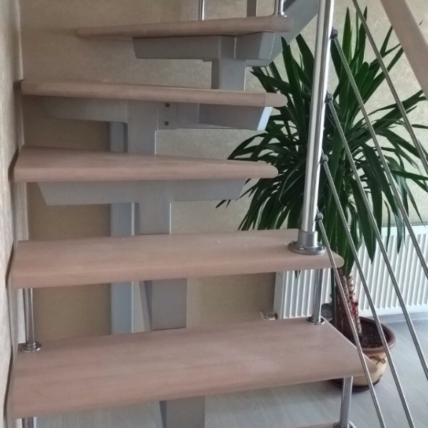 Лестница с поворотом «Solo Prova 90»
